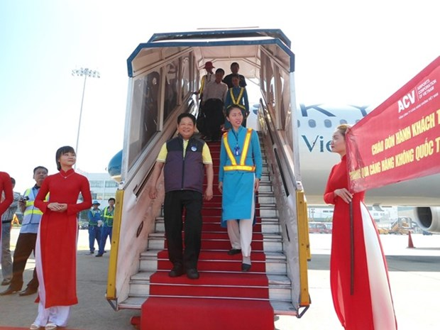 Tan Son Nhat International Airport welcomes 25 millionth passenger hinh anh 1