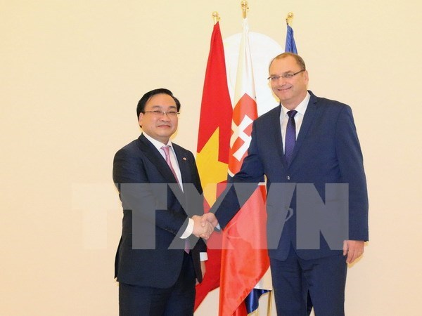 Vietnam, Slovakia look to stronger relations hinh anh 1