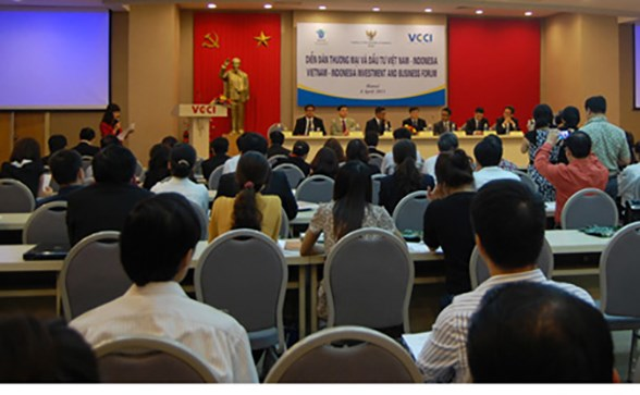 Forum boosts Vietnam-Indonesia business cooperation hinh anh 1