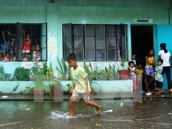 Philippines: Typhoon Melor kills three, affects millions hinh anh 1
