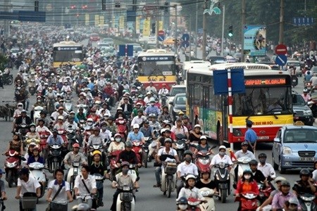 Hanoi rearranges traffic to reduce congestion hinh anh 1
