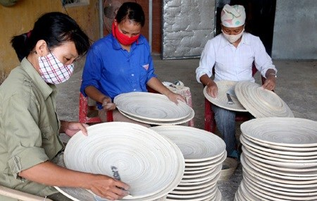 Firms struggle in free trade hinh anh 1