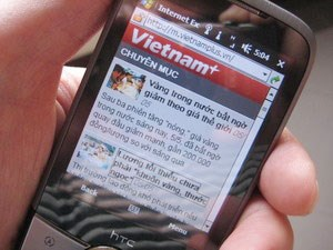 Vietnam's mobile subscriptions drop hinh anh 1