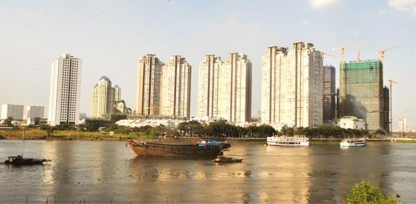 Two major plans to form HCM City centre alongside Saigon River hinh anh 1