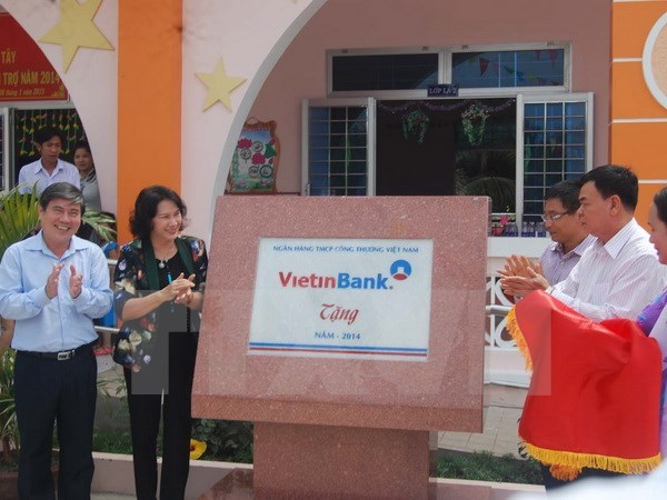 Vietinbank helps build houses for the poor in Ben Tre hinh anh 1