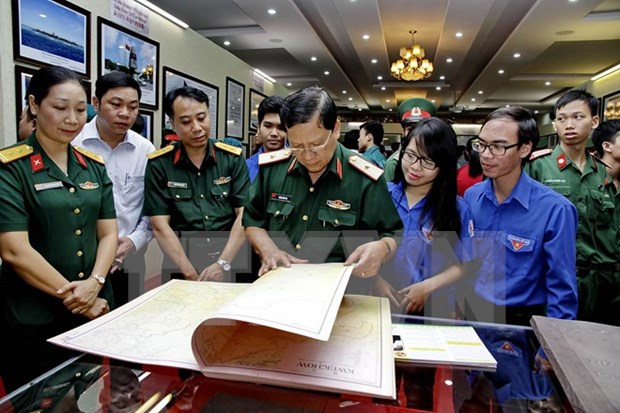 Exhibition affirms Vietnam's sovereignty over archipelagos hinh anh 1