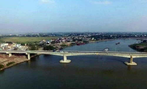 Deputy PM cuts ribbon to open 20m USD bridge in Nam Dinh hinh anh 1