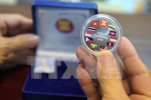 Laos officially undertakes 2016 ASEAN chairmanship hinh anh 1