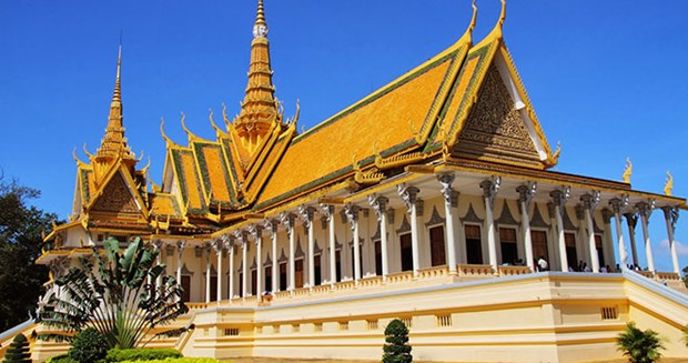 Lao tourism flourishes in 2015 hinh anh 1