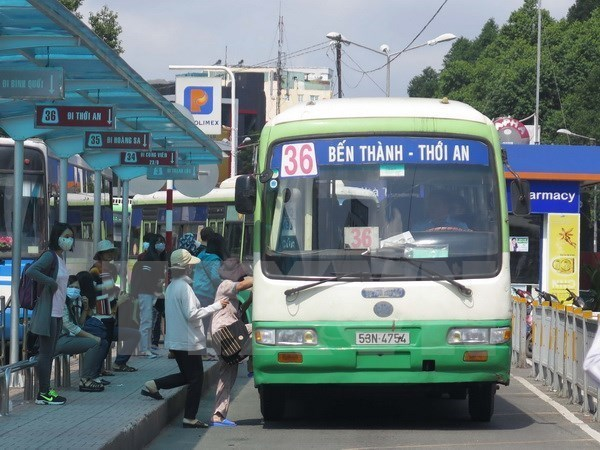 HCM City: Extra transport services to ease pressure during Tet hinh anh 1