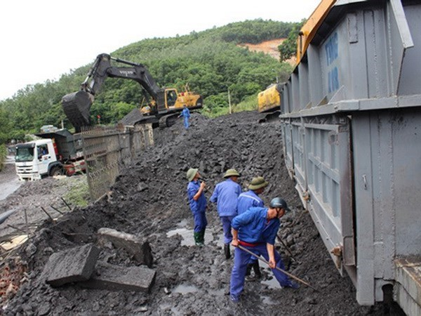Deputy PM: coal sector must ensure national energy reserve hinh anh 1