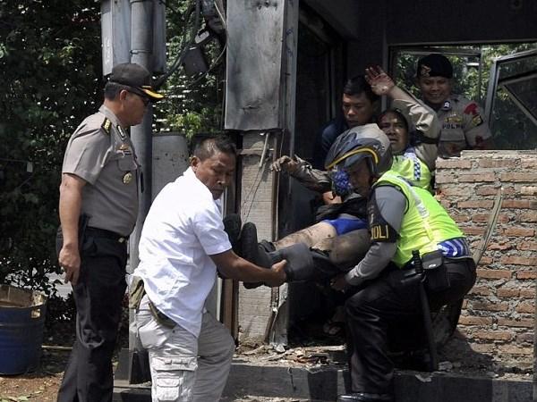 Vietnam condemns terror attacks in Jakarta hinh anh 1
