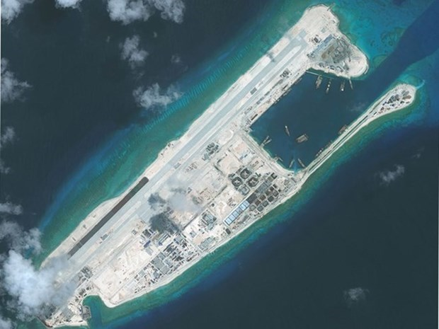CAAV uninformed about China's flights to East Sea hinh anh 1