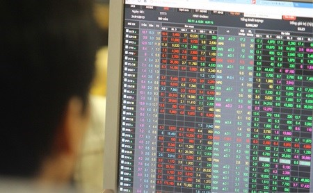Vietnam stocks decline amid global rout hinh anh 1