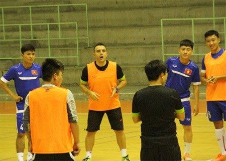 Vietnam futsal team to play friendly matches with Malaysia hinh anh 1