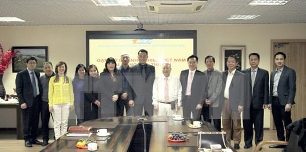 Vietnamese enterprises in Switzerland, Russia enhance trade relations hinh anh 1