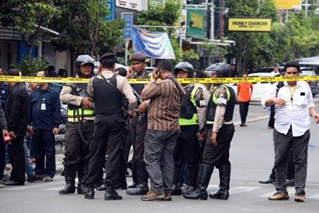 Indonesia reveals attack suspects' identities hinh anh 1