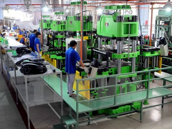 Vietnam aims to rise to ASEAN top half by 2020 hinh anh 1