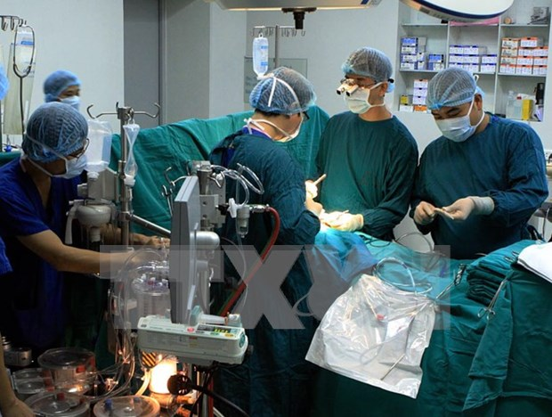 HCM City University Medical Centre carries out aortic surgery hinh anh 1