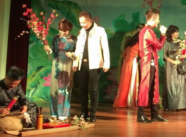 Vietnamese artists take stage overseas hinh anh 1