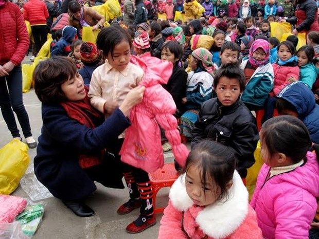 Warm clothing urgently sent to hill children in need hinh anh 1