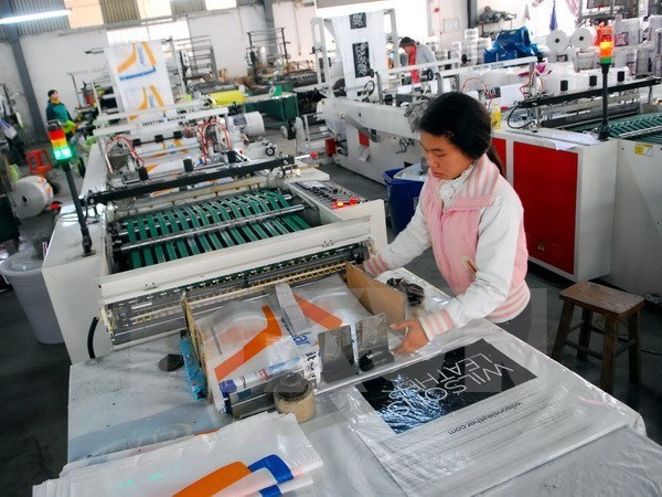 Standard Chartered forecasts Vietnam's GDP growth at 6.9 percent hinh anh 1