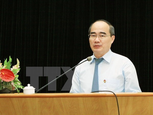 Fatherland Front leader pays pre-Tet visit to VBS Supreme Patriarch hinh anh 1