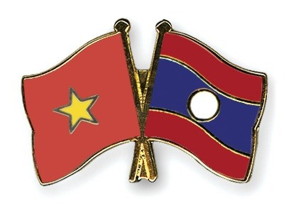 Lao officials pay Tet visit to Nghe An hinh anh 1