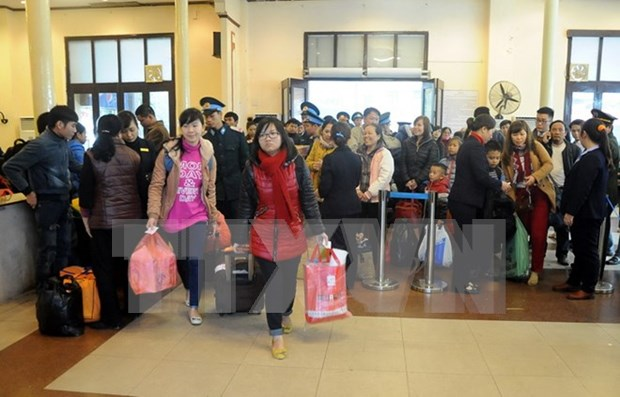 Tet gifts warm up hearts of disadvantaged people hinh anh 1