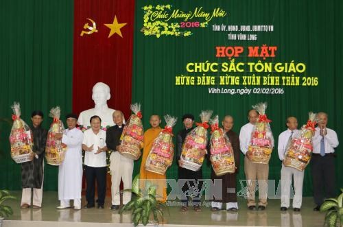 Religious dignitaries, OVs in Mekong Delta celebrate Tet hinh anh 1