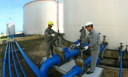 Revenue from crude oil falls sharply in January hinh anh 1