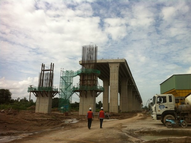 Mekong Delta: Work on major bridges halfway done hinh anh 1