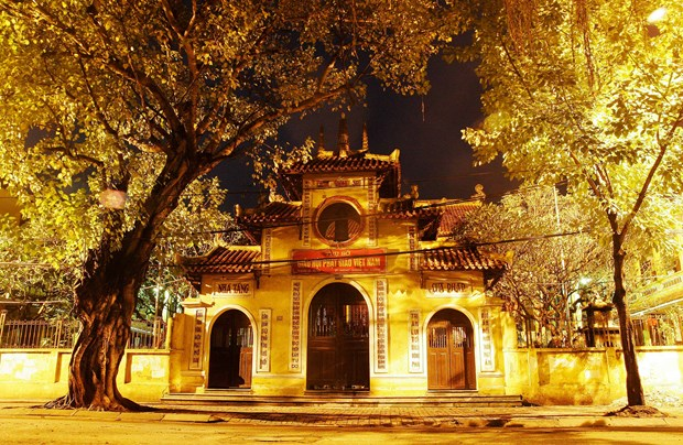 Hanoi's pagodas, spiritual treat to visitors hinh anh 1