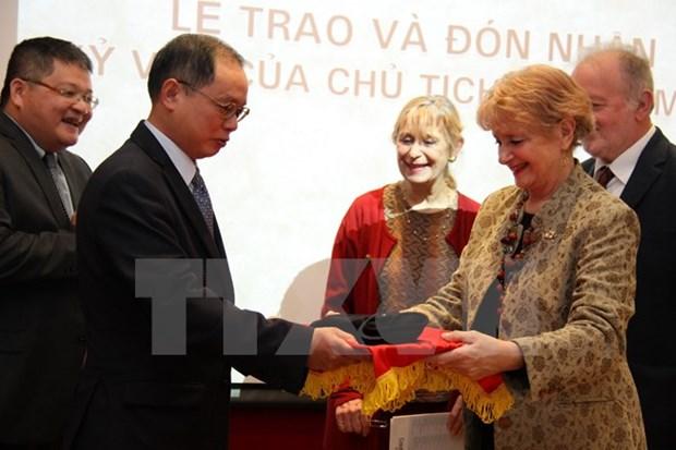 Embassy receives President Ho Chi Minh's memento hinh anh 1