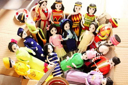 Paper dolls convey Vietnamese culture hinh anh 1
