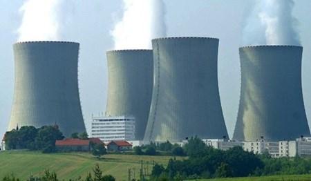 Vietnam works on nuclear power framework hinh anh 1