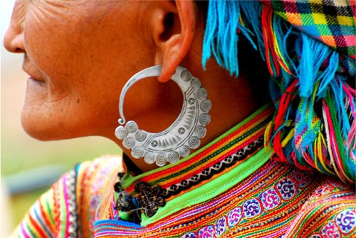 Earrings – highlights of H'mong ethnic people hinh anh 2