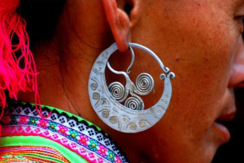Earrings – highlights of H'mong ethnic people hinh anh 3