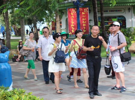 Record number of Chinese tourists visits Vietnam during Tet hinh anh 1