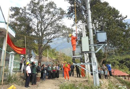 22 projects to electrify thousands of households hinh anh 1