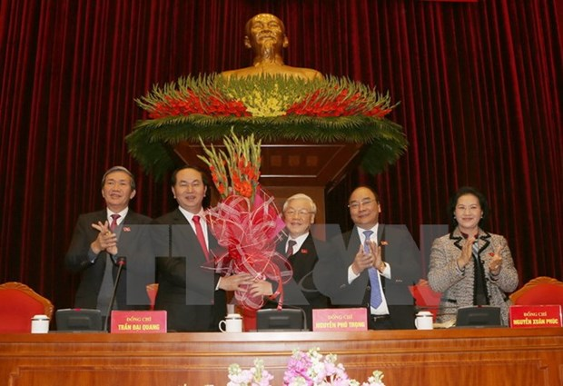 Party, State leaders congratulate Party chief on re-election hinh anh 1