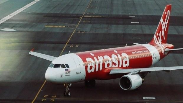 Thai AirAsia launches flights to Laos hinh anh 1