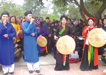 Love duets echo at Lim Festival in Bac Ninh hinh anh 1