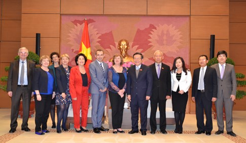 Vietnam, France forge legislative ties hinh anh 1