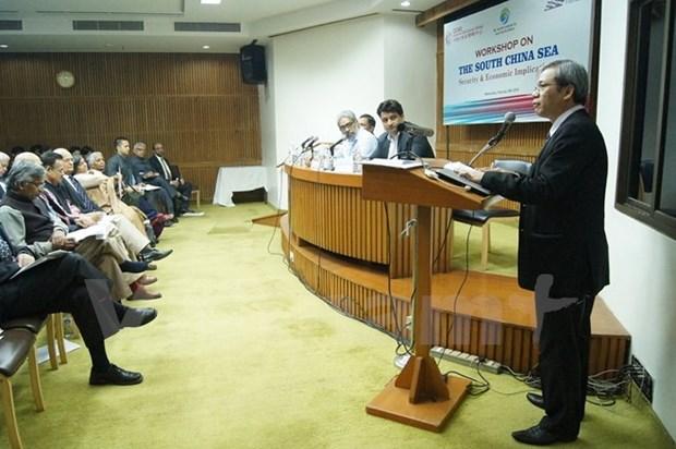 Vietnam confirms territorial sovereignty at East Sea seminar hinh anh 1