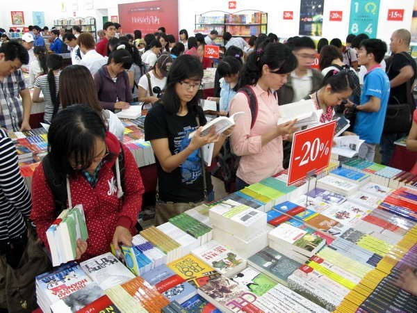 200 publishers to join HCM City's ninth Book Festival hinh anh 1