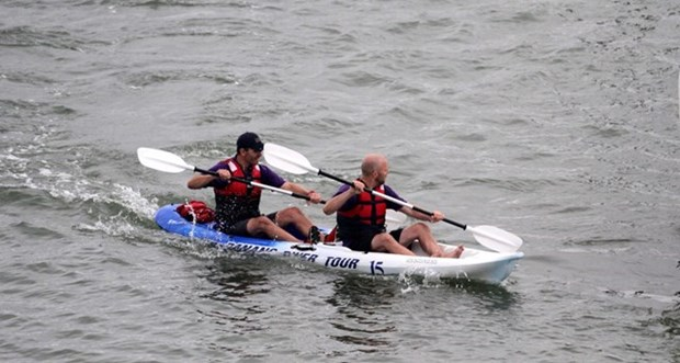 Da Nang opens Kayak racing competition hinh anh 1