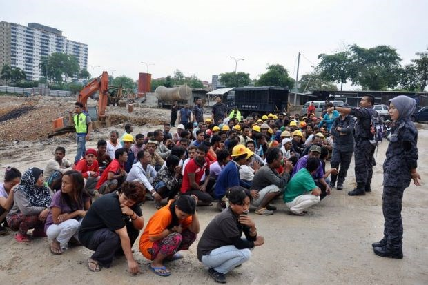 Malaysia to start re-hiring programme for illegal foreign workers hinh anh 1