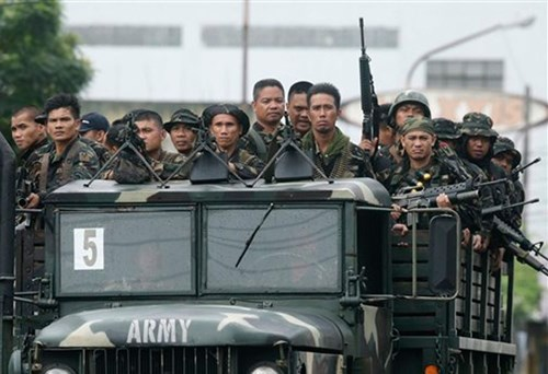 Philippine army kills 42 terrorists in south hinh anh 1