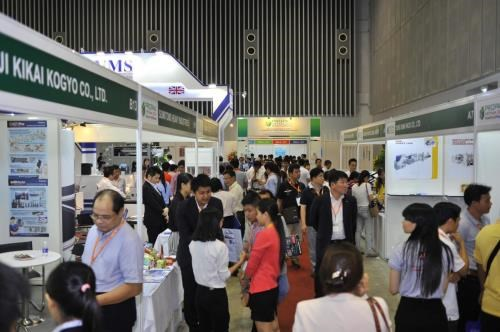 Major expos on support industries open in HCM City hinh anh 1